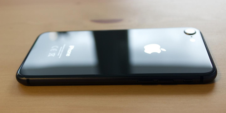 iPhone 8 to nowa szklana konstrukcja