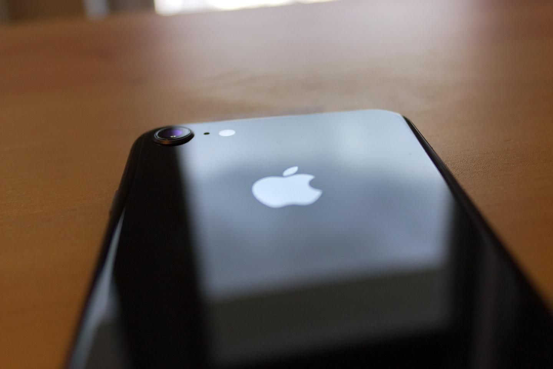 iPhone 8 – recenzja z perspektywy użytkownika iPhona 6. Czy warto zakupić najnowszy telefon Apple?